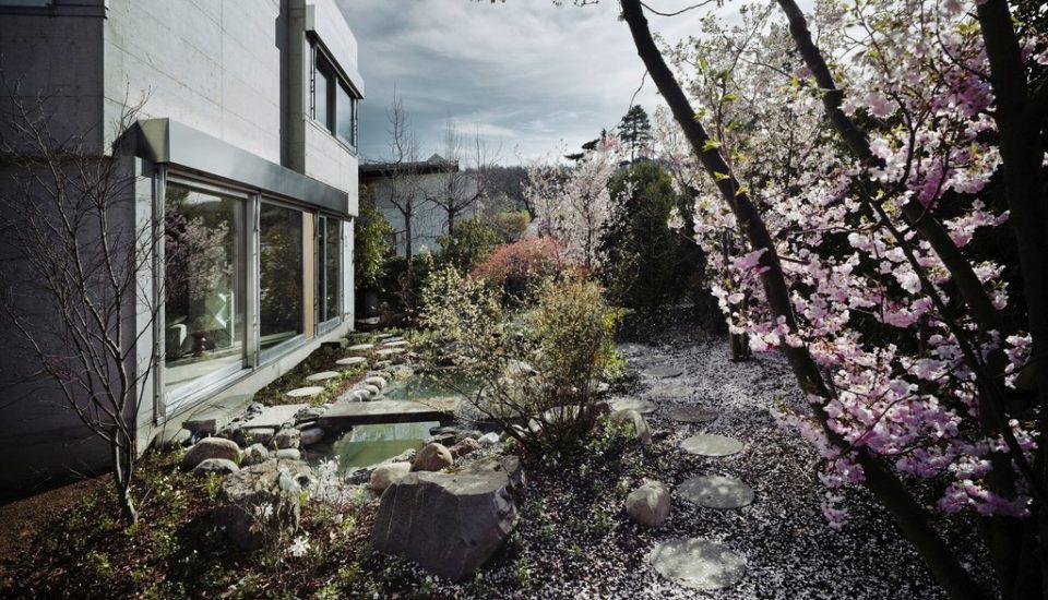Einfamilienhaus mit Hallenbad, rechtes Zürichseeufer